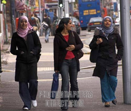 ENGLAND Modern Muslim women in Manchester
